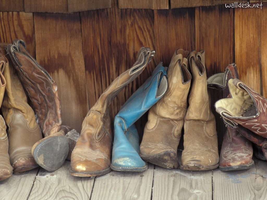 Country Girl vs. City Girl Style | The Fashion Foot