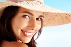 woman-hat-summer-skin