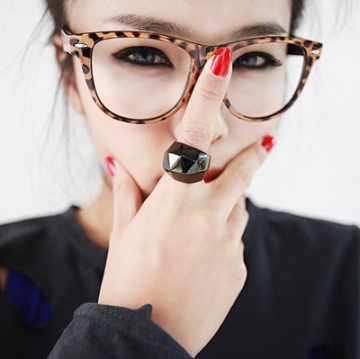 cheetah-eyes-girl-glasses-green-Favim.com-117128_large
