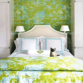 Colorful-Traditional-Bedroom-With-Matching-Wallpaper-And-Fabric-at-Awesome-Colorful-Bedroom-Design-Ideas