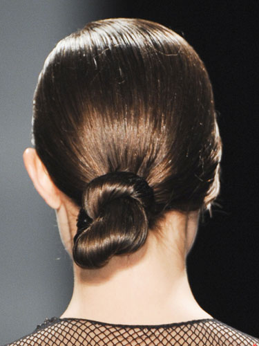rby-new-york-fashion-week-2013-Reem-Acra-bun-de
