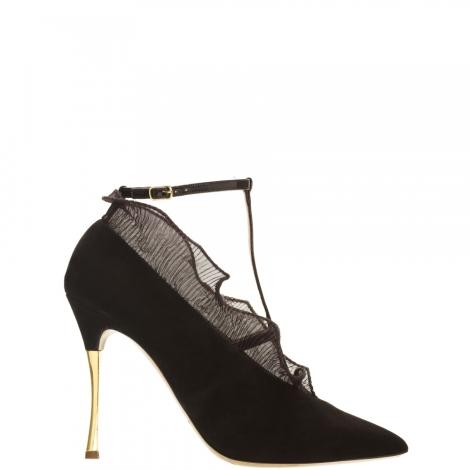 Frill Heels 1