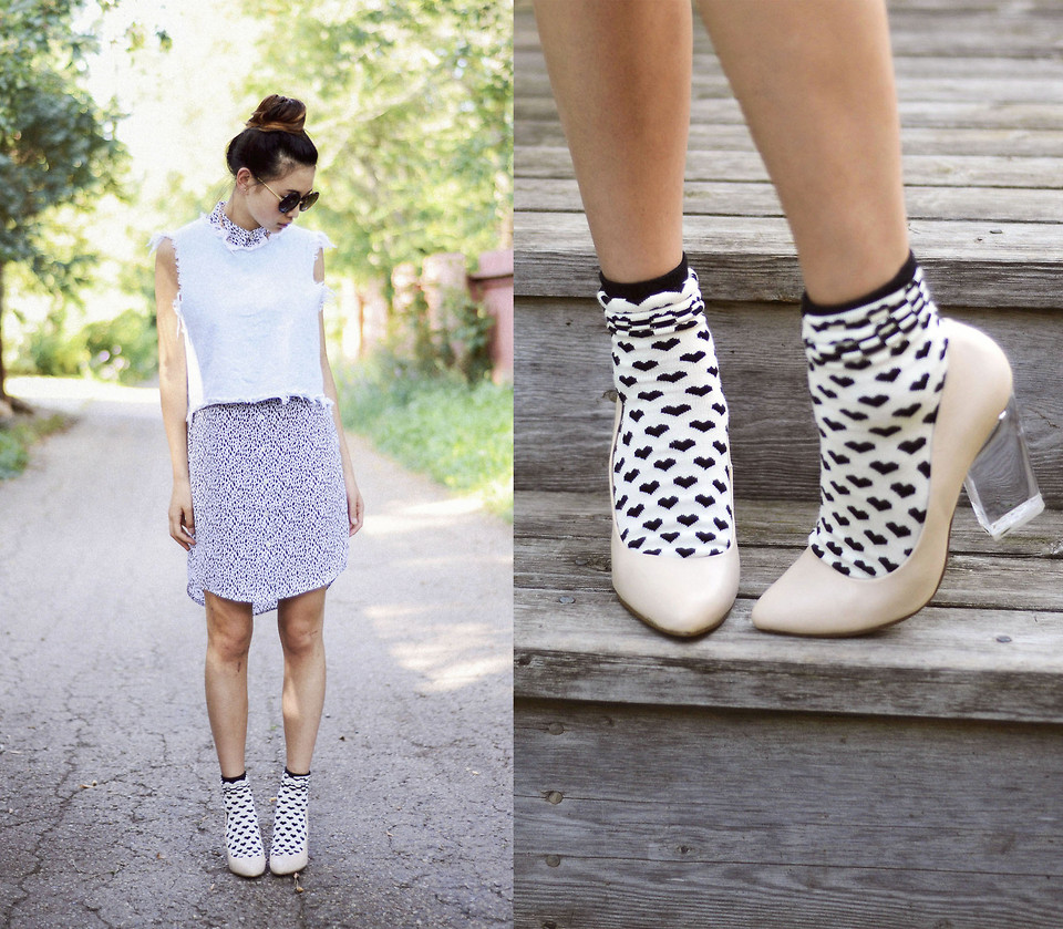 366c4ffcd9c8e Pumps and Socks!   The Fashion Foot