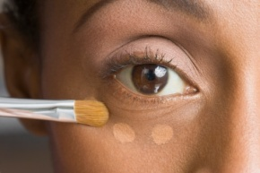 Under-Eye-Concealer-–-How-to-Apply-and-the-Best-Under-Eye-Concealer