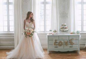 blush-ballgown-wedding-dress-photo-by-jacque-lynn