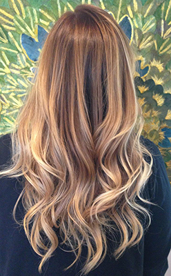 How to balayage your hair at home the fashion foot by taking the best of both highlights and ombre a process called balayage was created balayage is a special highlighting technique where the dye is solutioingenieria Gallery
