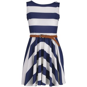 e9ab37092a Nautical  How to Look Chic And Sophisticated in Stripes
