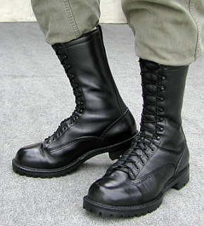 Photo from the BIG BLACK BOOTS website at www.boot.com