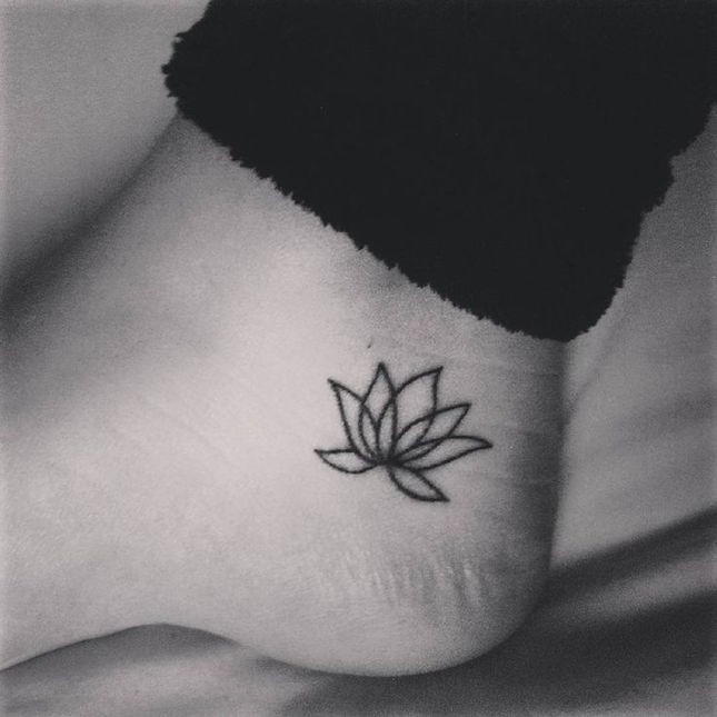 sticking with stick n poke tattoo the fashion foot. Black Bedroom Furniture Sets. Home Design Ideas
